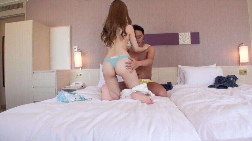 【憧れのAV男優・えみりちゃん編】彼氏持ち童顔美少女をホテルに連れ込んでみたら超淫乱だった件